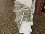 Mooie nieuwe ruime, complete en hoge vogelkooi voor kanaries, tropen en parkieten kopen? _